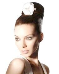 Фото - висока весільна зачіска з начосом 2013