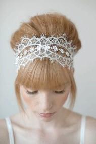 Фото - весільна зачіска з чубком для прямого волосся