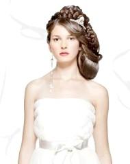 Фото - красива висока весільна зачіска 2013 для густого волосся