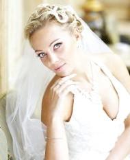 Фото - весільна зачіска з фатою