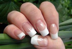 Чим можуть бути шкідливі гелеві нігті?