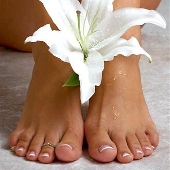 Домашній педикюр і догляд за стопами ніг