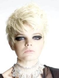 Фото - Зачіски для середнього волосся в стилі емо з волоссям попелястого кольору