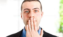 Як змінити поганий аромат дихання