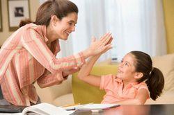Як правильно хвалити дитину?