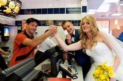 Як провести весілля без тамади