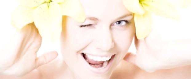 Плями на обличчі, веснянки і засмага: як відбілити шкіру швидко?