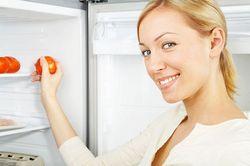 Як позбутися запаху в холодильнику в домашніх умовах