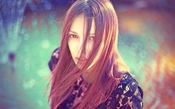 Як змити з волосся небажаний відтінок