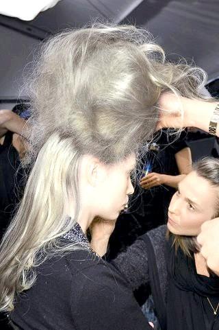Фото - Процес створення зачіски бабета
