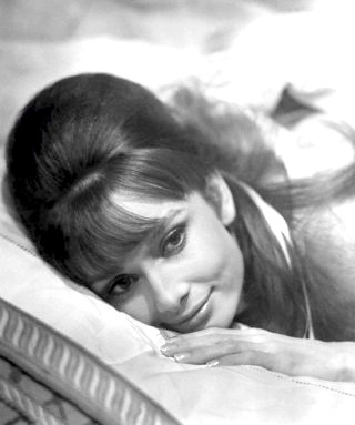Фото - Одрі Хепберн з Бабетта на довгому волоссі