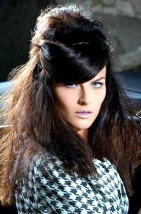 Фото - Зачіска в стилі 60-х з начосом