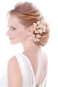 Фото - Весільна укладання з рожевими квітами