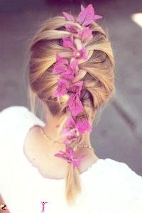 Фото - Французька коса з квітами