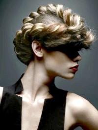 Фото - Грецькі зачіски на довге волосся