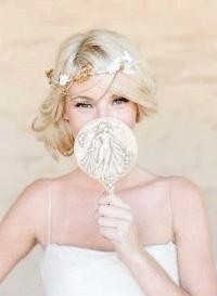 Фото - Ретро зачіска на весілля для середніх волосся.