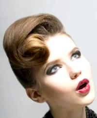 Фото - Весільна зачіска на середні волосся в стилі 60-х років.