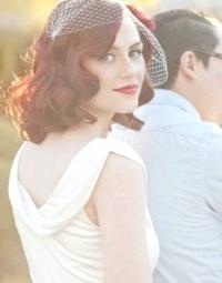 Фото - Ретро зачіска з розпущеним волоссям на весілля.