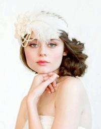 Фото - Весільна зачіска з пов'язкою у стилі ретро.