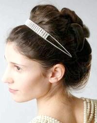 Фото - Весільна ретро зачіска з начосом на довге волосся.