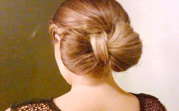 Стильна зачіска у вигляді бантика