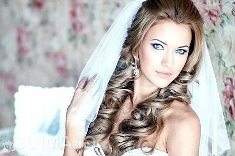Фото - Весільні зачіски з накладними пасмами