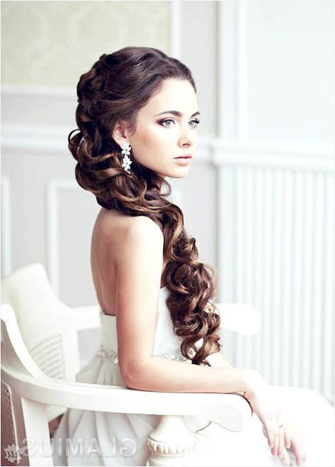 Фото - Весільна зачіска з накладними пасмами
