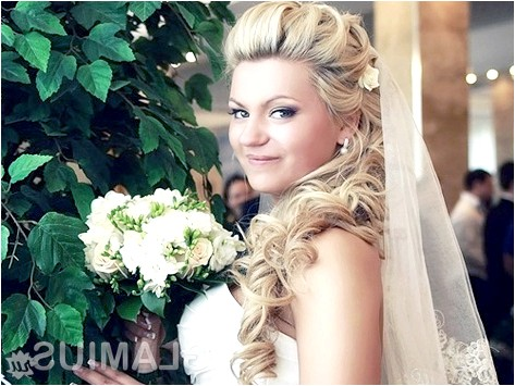 Фото - Накладні пасма для весільної зачіски