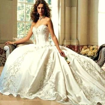 Вантажні весільні сукні в стилі ретро