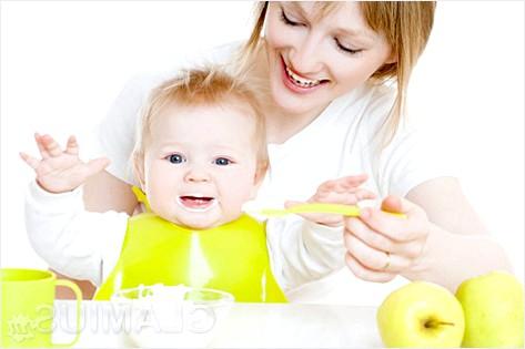 Фото - Чим годувати дитину після року