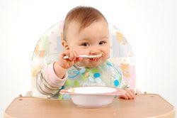 Чим годувати дитину після року