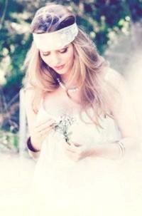 Фото - Весільна зачіска з розпущеним волоссям і пов'язкою