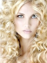 Фото - Зачіски для довгого кучерявого волосся