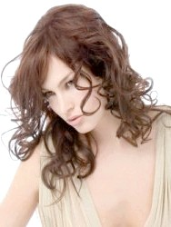 Фото - Проста укладка на кожен день для кучерявого волосся