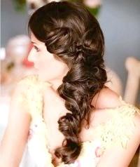 Фото - Весільна зачіска коса на бік для довгого волосся.