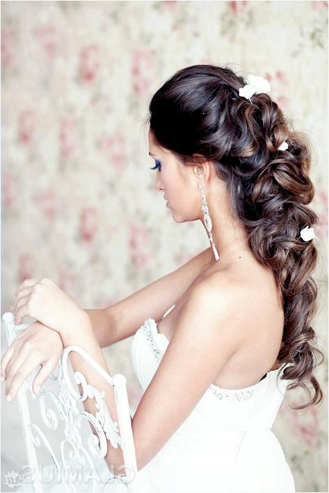 Фото - Грецька зачіска з квітами