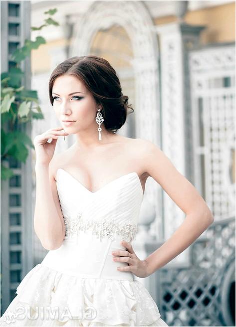 Фото - Весільна зачіска з проділом