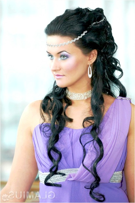 Фото - Грецька зачіска на довгому волоссі
