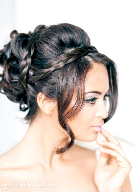 Фото - Зачіска з косами і пасмами