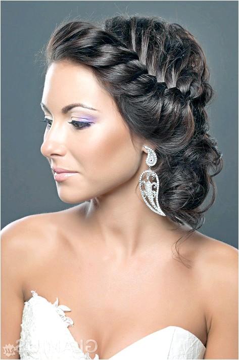 Фото - Зачіска з плетінням