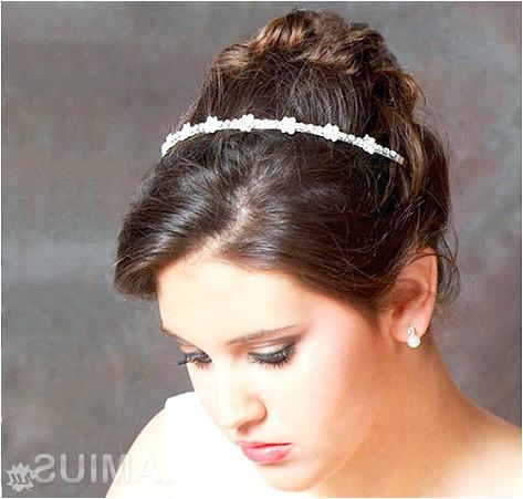 Фото - Грецька зачіска з обідком