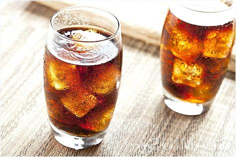 Чим шкідливі газовані напої