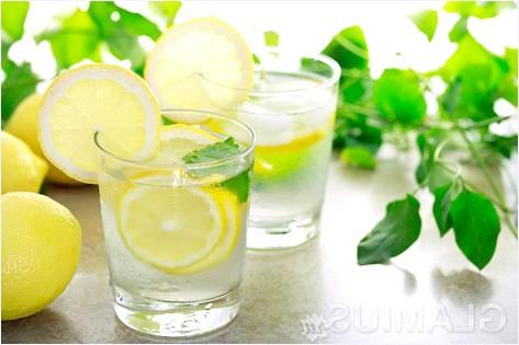 Фото - Вода з лимонним соком
