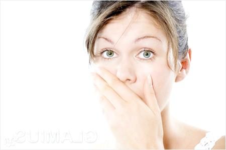 Як позбутися запаху з рота