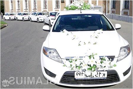 Фото - Як прикрасити машину на весілля