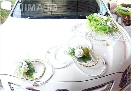 Фото - Аксесуари на капот весільної машини
