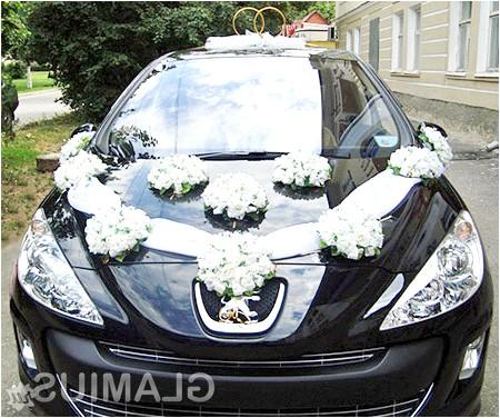 Фото - Просте і оригінальна прикраса весільного авто