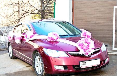 Фото - Великі банти для весільного авто