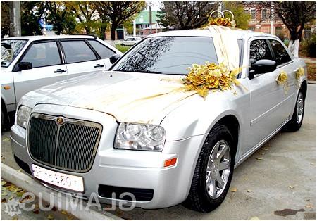 Фото - Красива весільна машина