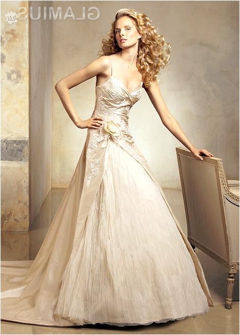 Фото - Дизайнерське весільне плаття кольору шампань